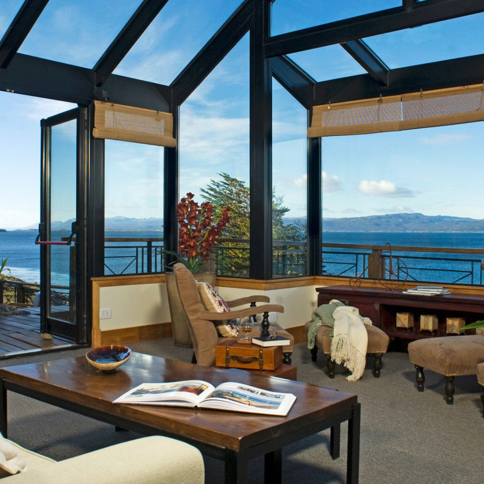 Lounge Luxury Mountains Patio Resort Scenic views sky property home Villa cottage restaurant overlooking