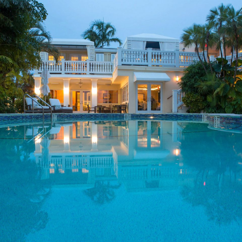 Lounge Luxury Pool tree swimming pool property Resort leisure building resort town mansion Villa condominium