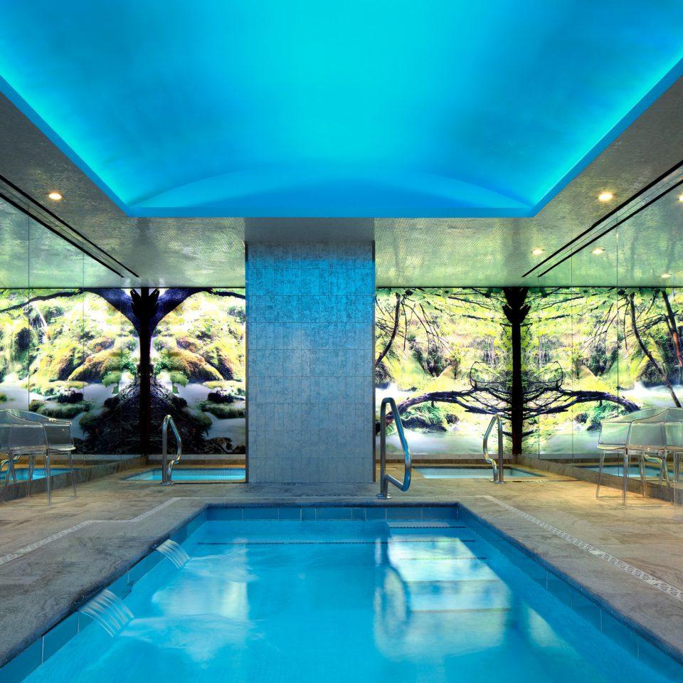 Lounge Luxury Pool blue swimming pool leisure property leisure centre Resort condominium daylighting empty