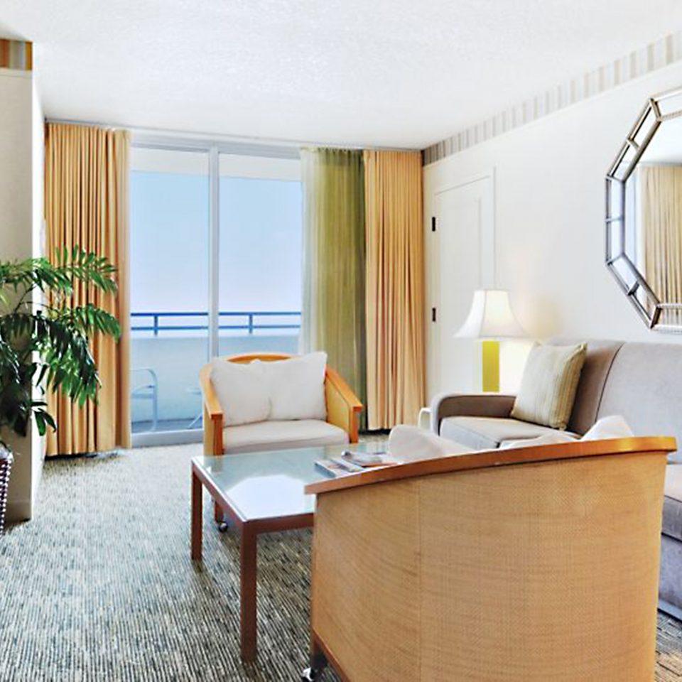 Lounge Luxury Scenic views chair property Suite cottage home condominium Villa