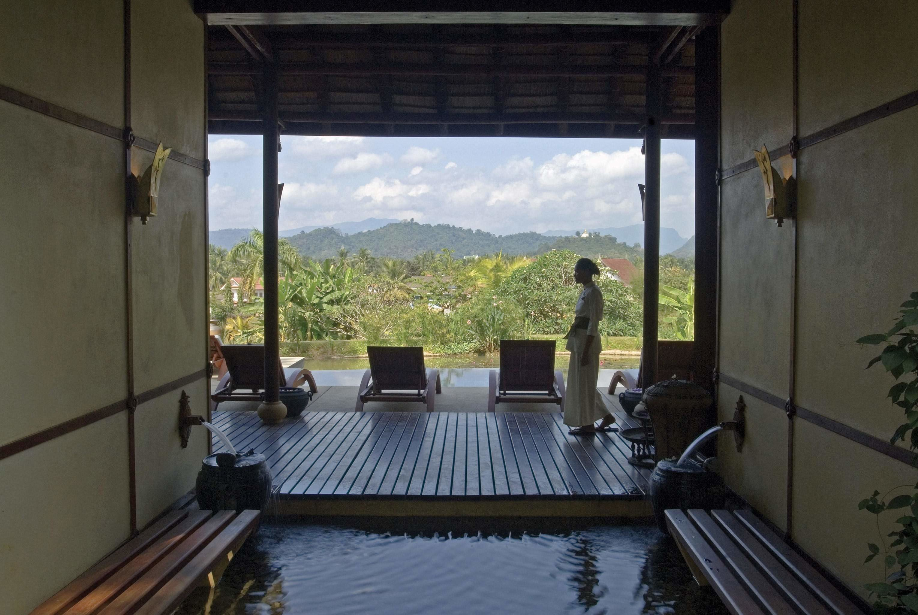 Lounge Luxury Waterfront property building swimming pool Villa cottage condominium