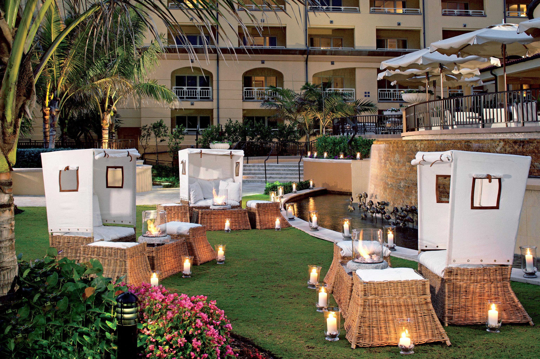 Lounge Modern Outdoors Resort Romance Romantic grass home backyard