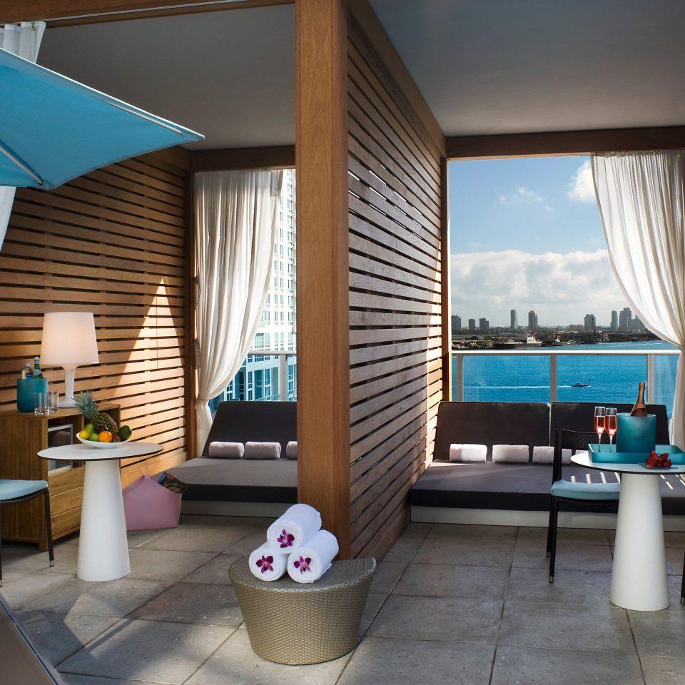 The Living Room Bar Miami: Kimpton EPIC Hotel (Miami Beach, FL)