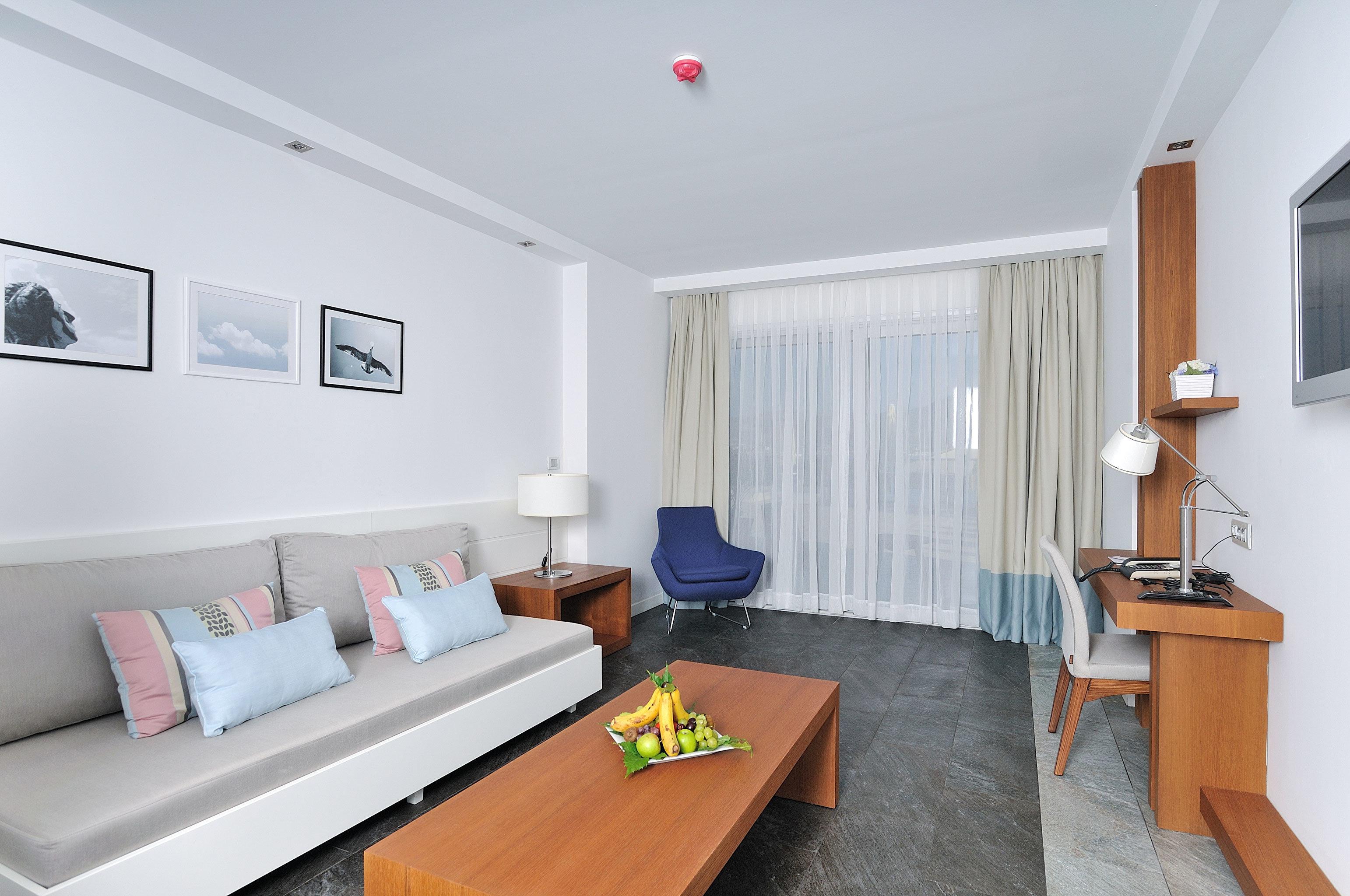 Lounge Modern property Suite condominium living room cottage Villa home