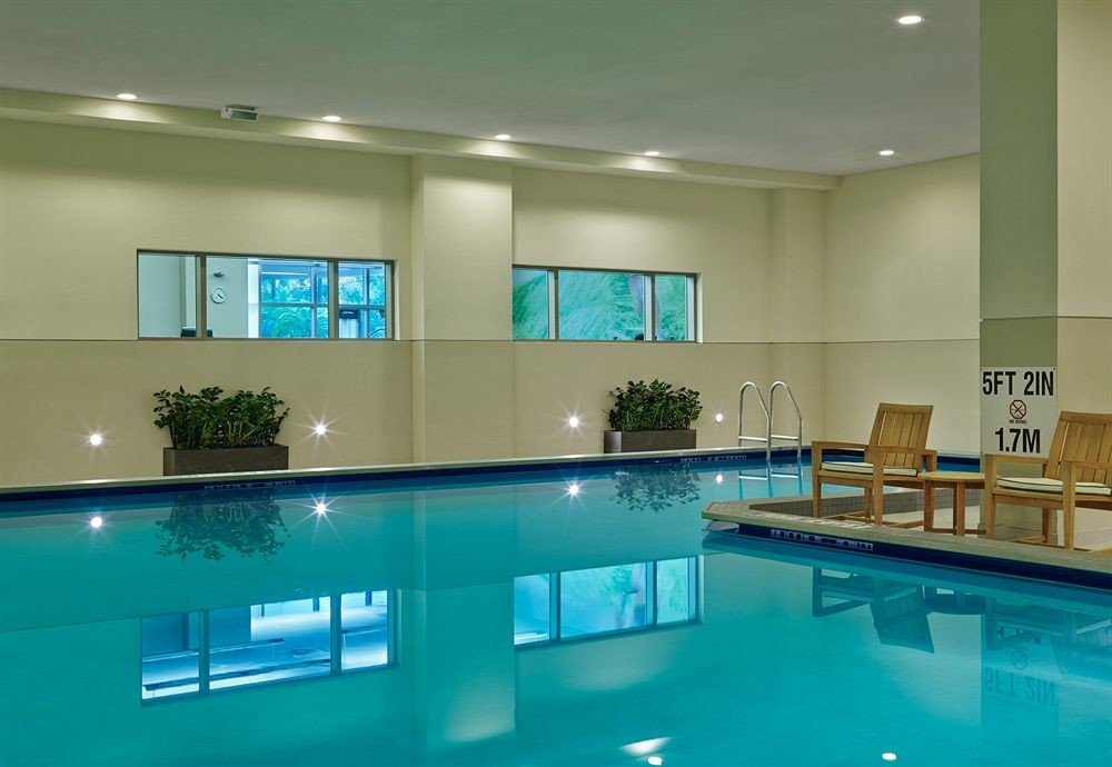 Lounge Pool swimming pool property condominium leisure centre lighting Resort