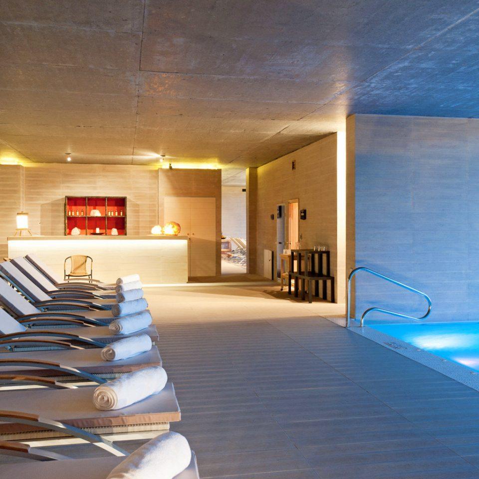 Lounge Pool Scenic views Waterfront swimming pool property Resort condominium Villa Suite living room
