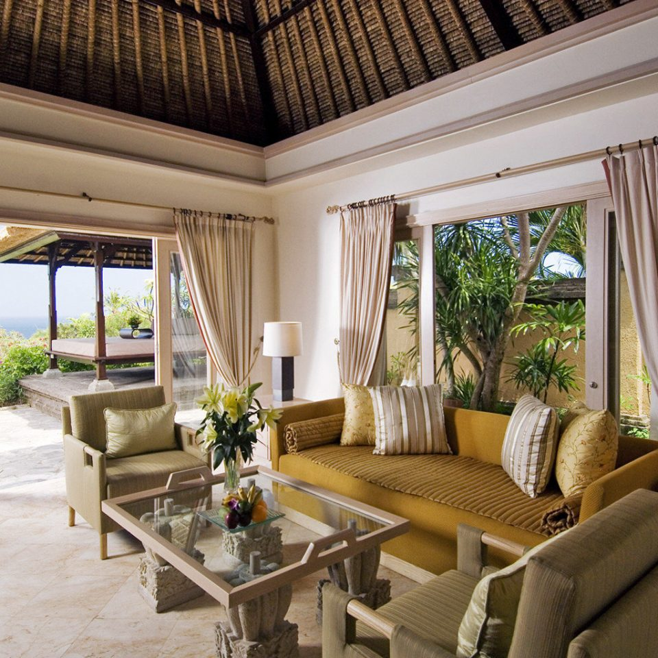 Lounge property living room condominium Villa home Resort Suite mansion cottage farmhouse porch