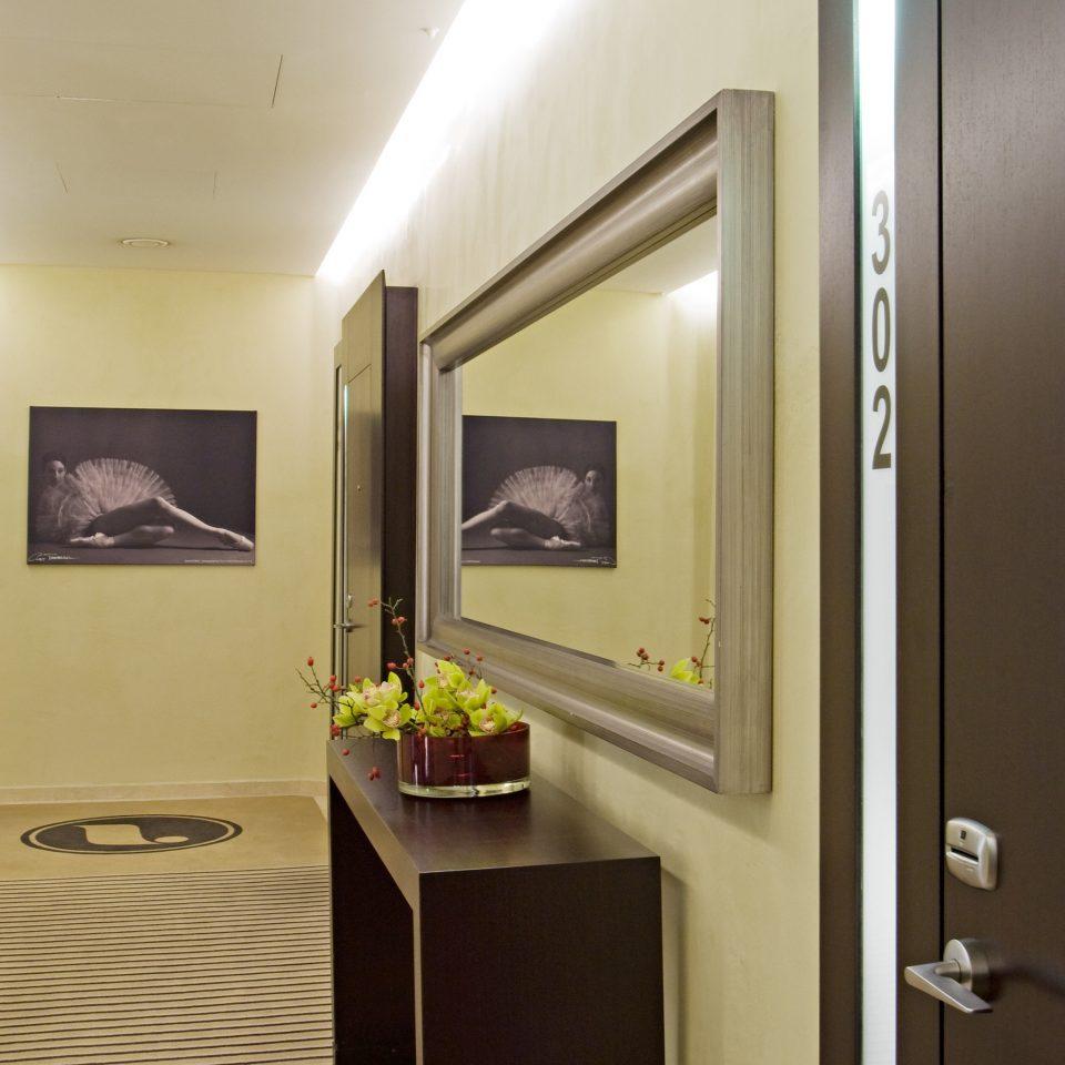 Lounge property Suite home lighting living room condominium