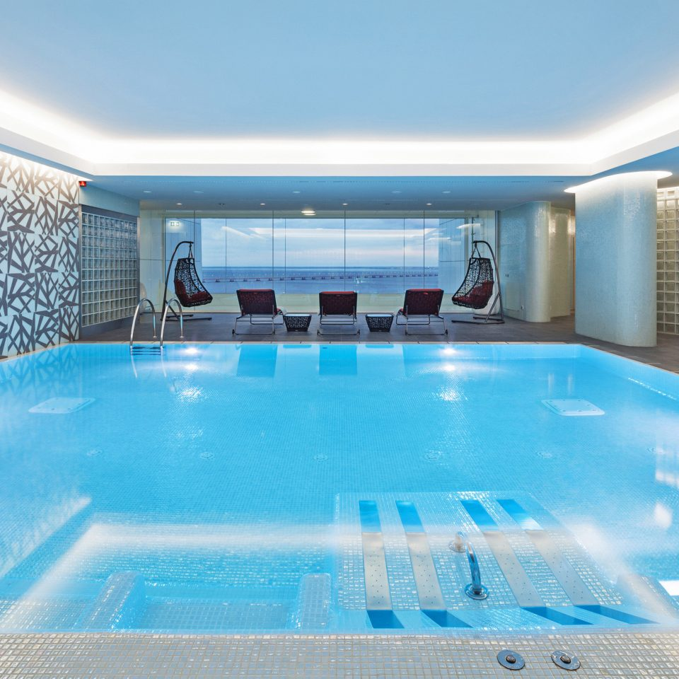 Luxury Modern Pool Waterfront sky swimming pool leisure leisure centre jacuzzi blue bathtub Resort