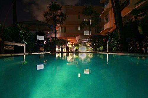 Luxury Modern Pool swimming pool property Resort resort town Villa mansion empty