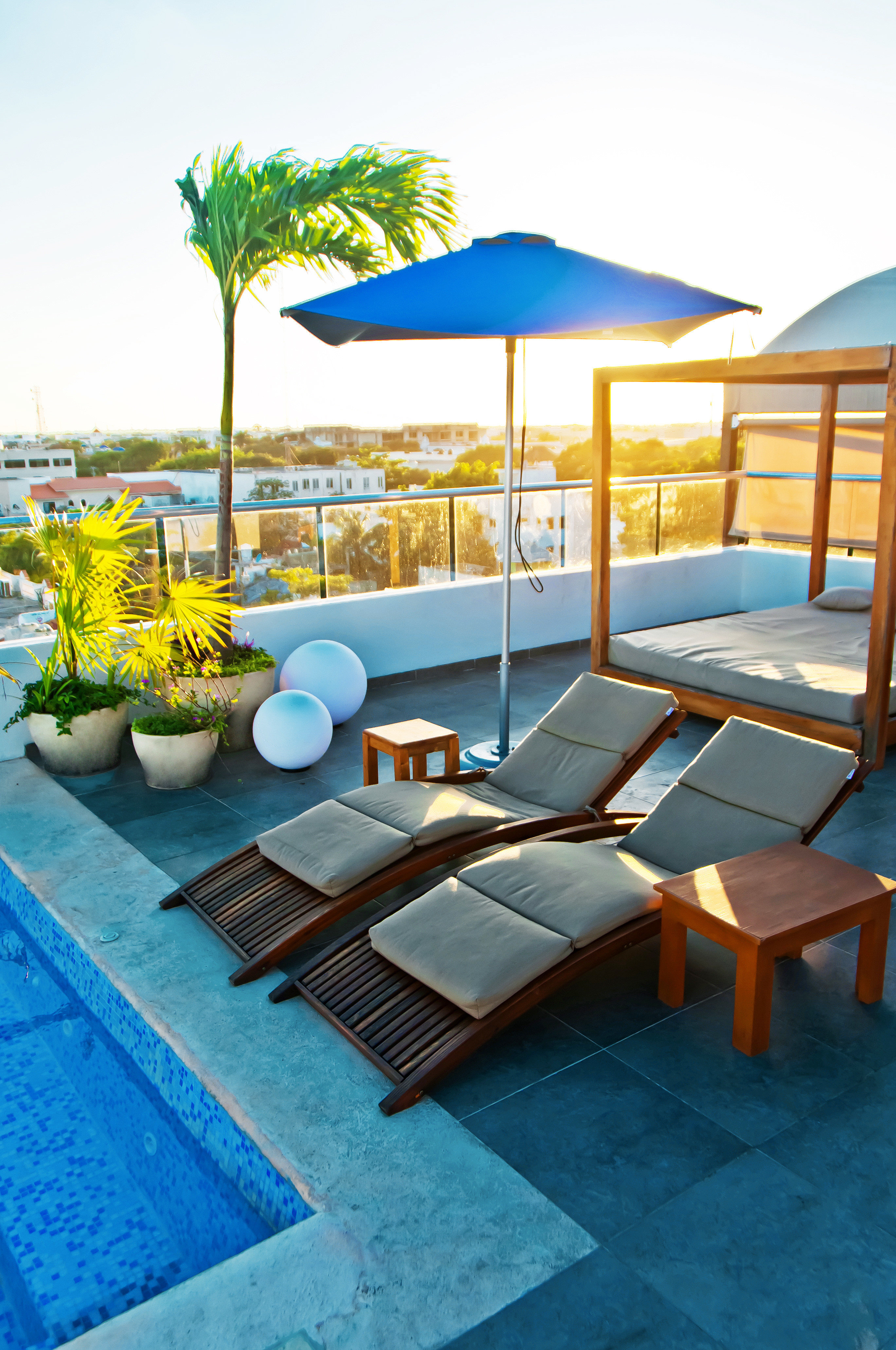 Luxury Patio Pool Rooftop Waterfront chair leisure swimming pool property Resort caribbean Villa condominium backyard