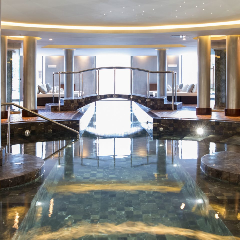 Luxury Play Pool Resort building swimming pool thermae colonnade