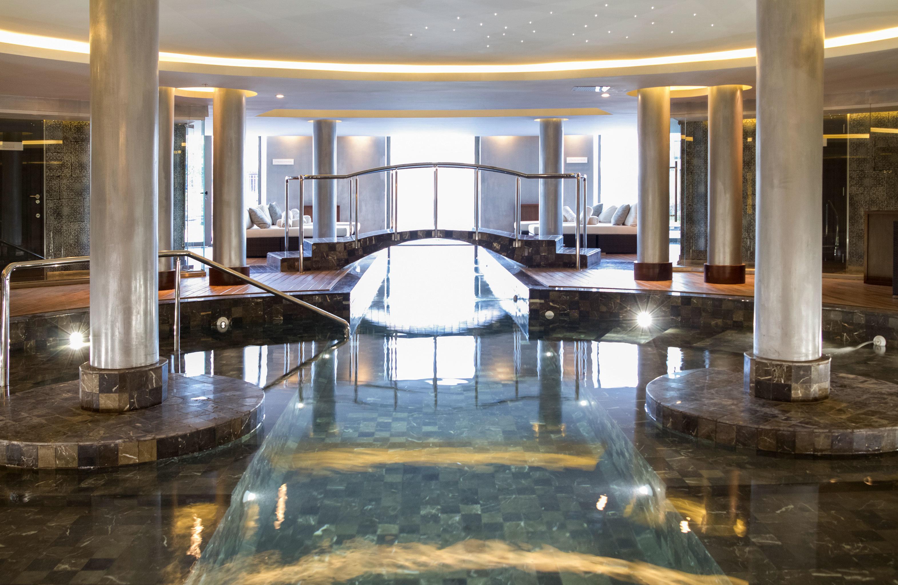 Luxury Play Pool Resort building swimming pool thermae colonnade