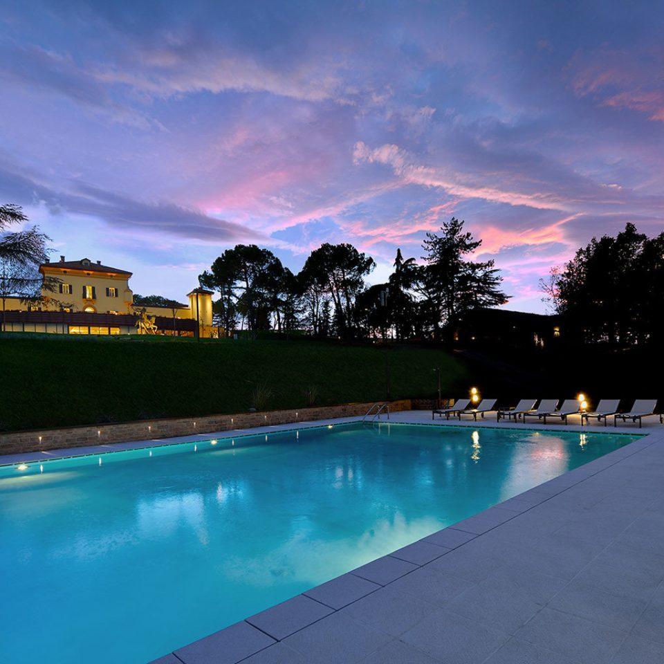 Luxury Pool sky water swimming pool evening dusk Sunset Sea blue empty