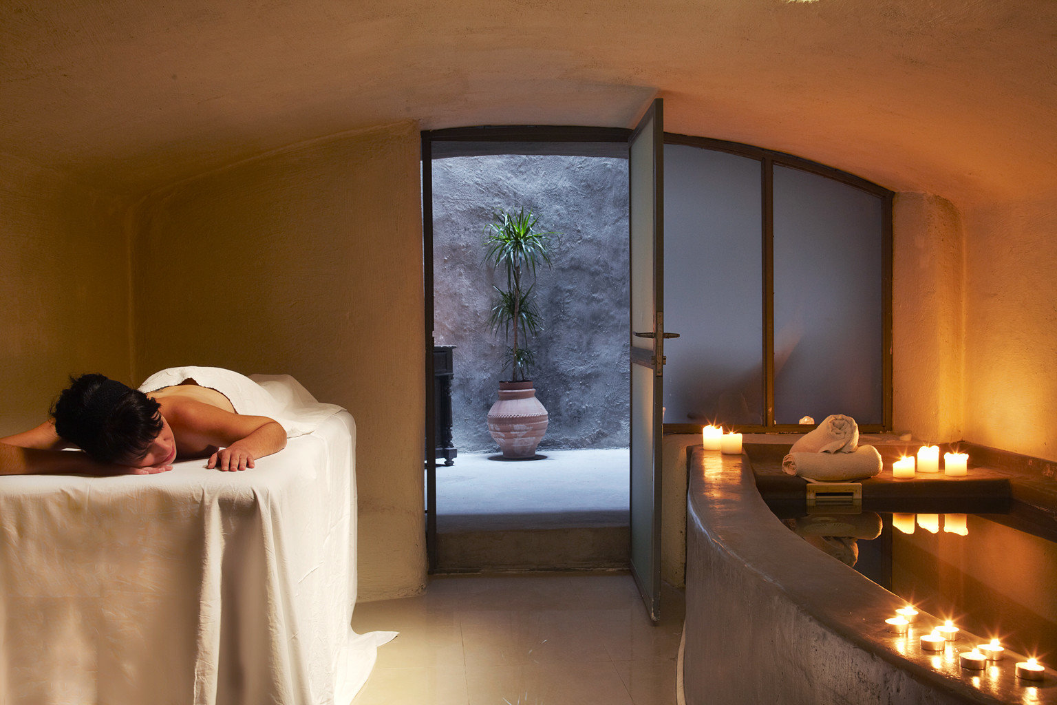 Luxury Romantic Scenic views Spa Suite swimming pool