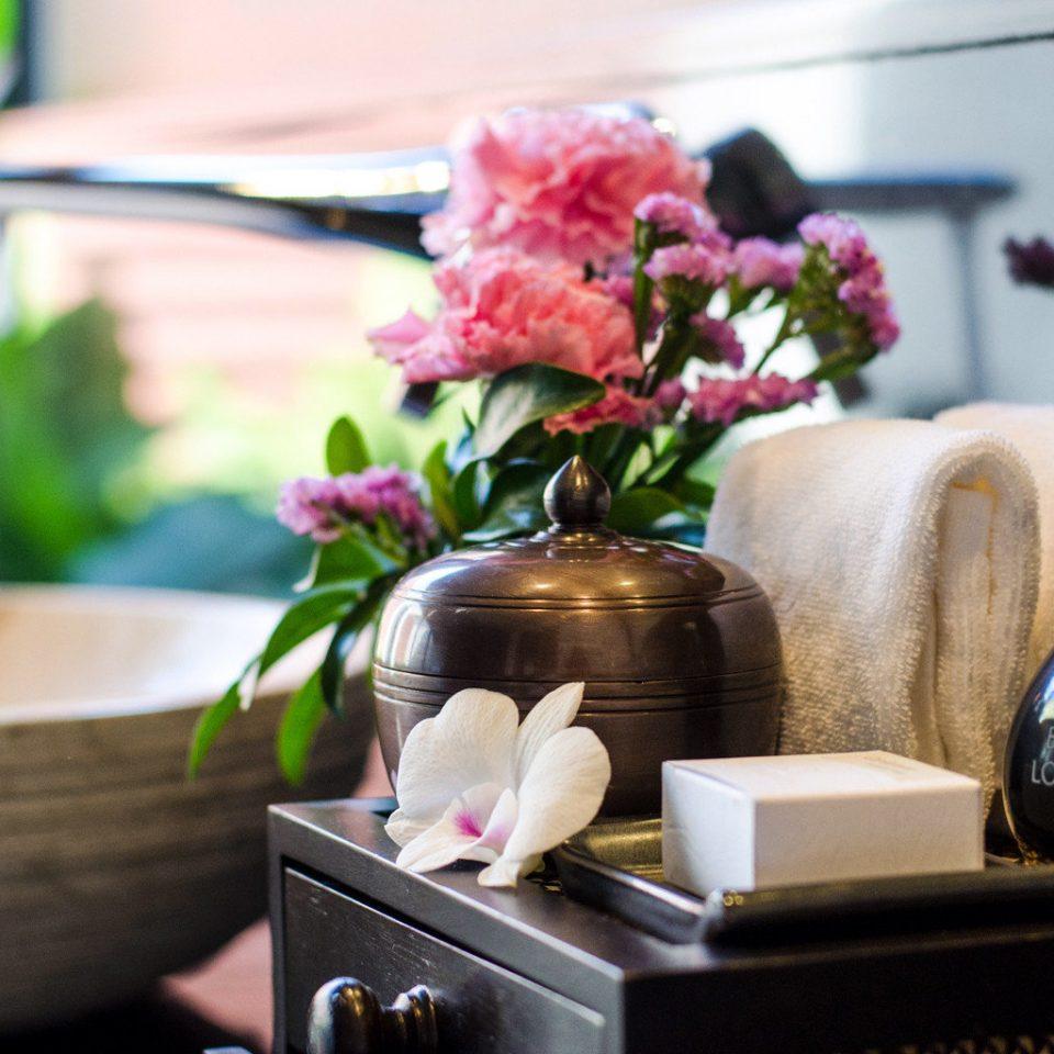 Luxury Spa color flower floristry spring centrepiece