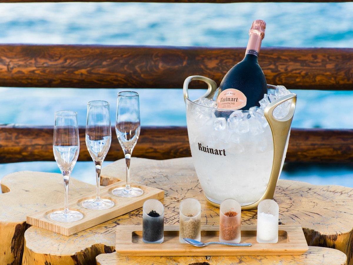 Travel Tips wine alcoholic beverage Drink distilled beverage food restaurant