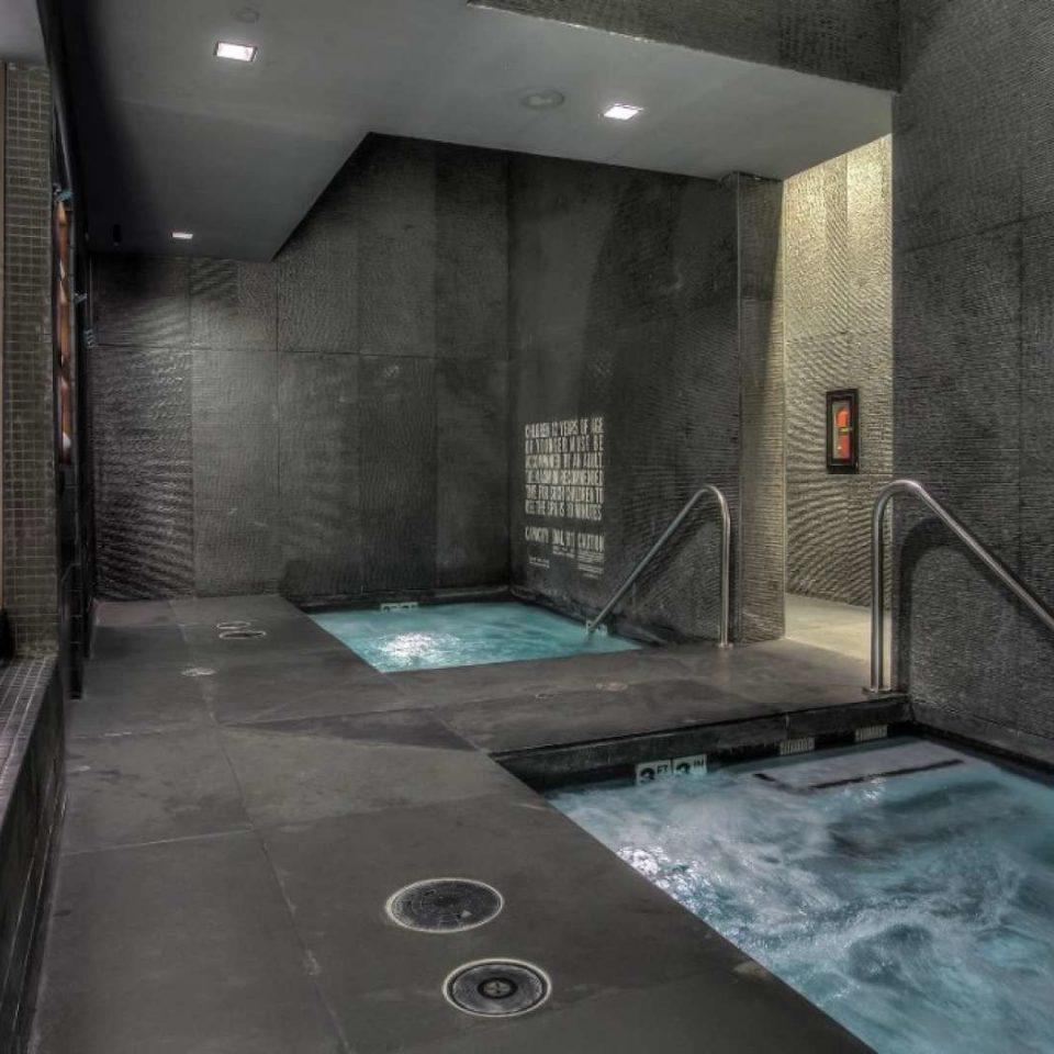 property swimming pool screenshot mansion