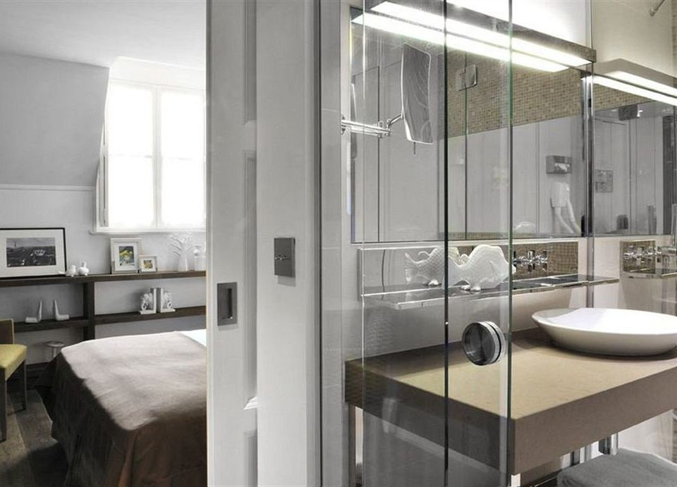 bathroom property home condominium sink loft Modern