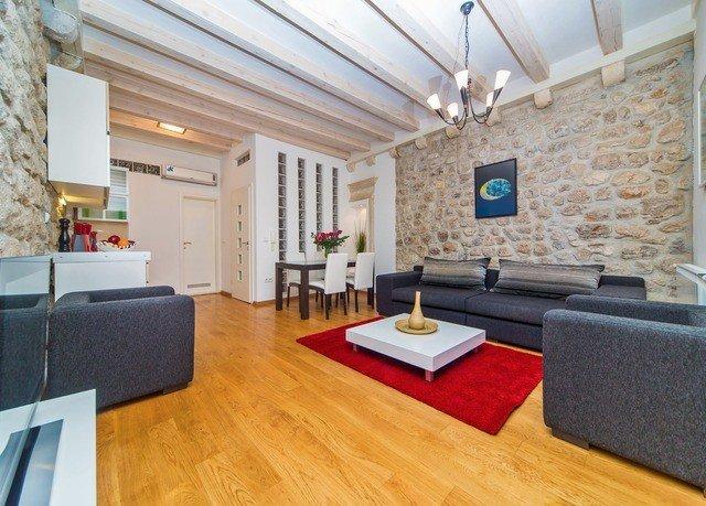property living room hardwood home flooring wood flooring cottage loft laminate flooring condominium farmhouse Modern