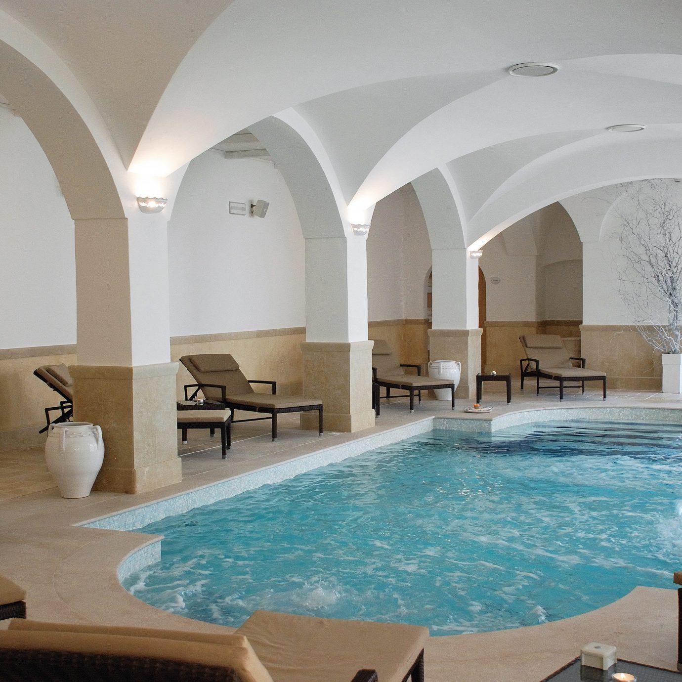 Modern Play Pool Wellness swimming pool property chair Villa mansion Resort hacienda Suite