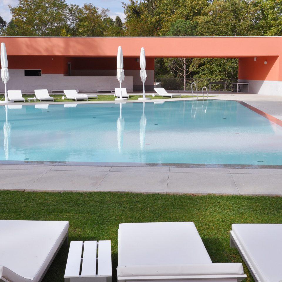 Modern Pool tree swimming pool leisure property leisure centre Villa backyard outdoor structure landscape architect