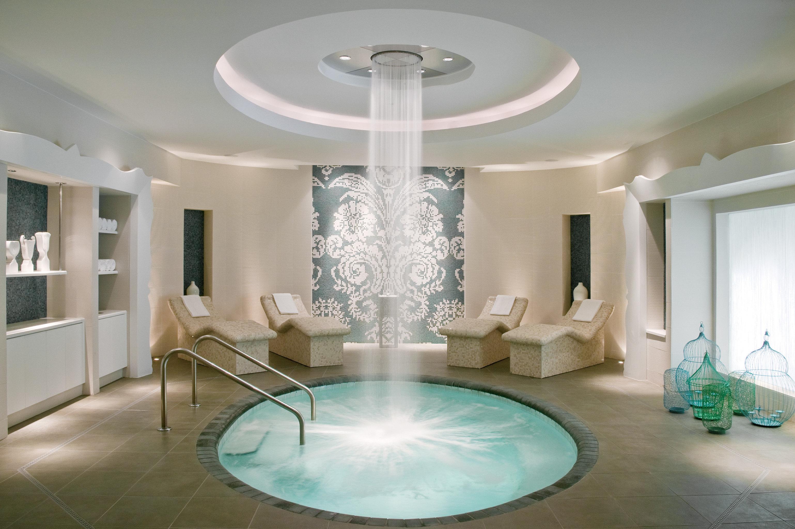 Modern Resort Spa Wellness property living room lighting daylighting swimming pool condominium mansion