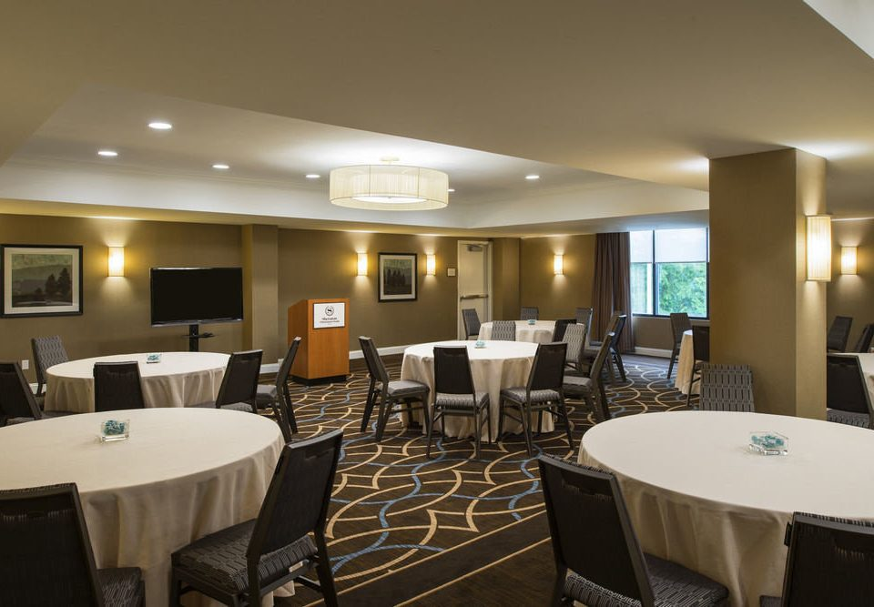 chair property restaurant function hall conference hall Suite condominium convention center Resort Modern