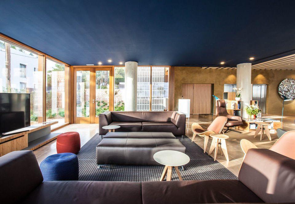 sofa property living room condominium home Suite Villa Resort mansion Modern