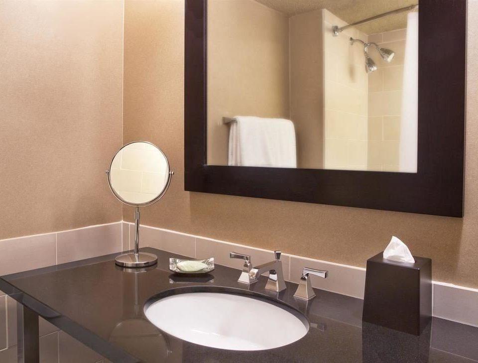 bathroom mirror sink property toilet plumbing fixture Suite bidet light Modern rack