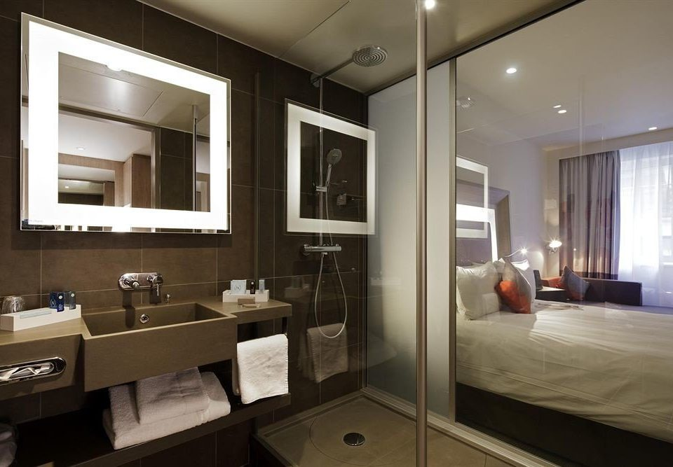 bathroom mirror property sink home condominium lighting Suite cabinetry living room Modern