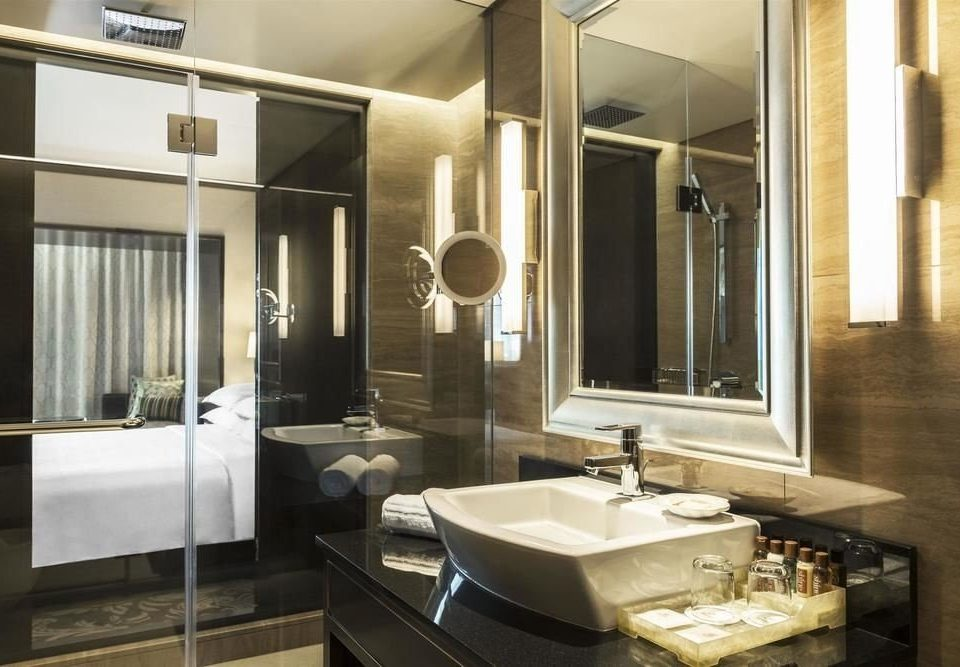 bathroom mirror sink property home Suite plumbing fixture condominium counter Modern public
