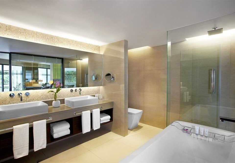 bathroom property condominium sink home Suite counter mansion Modern