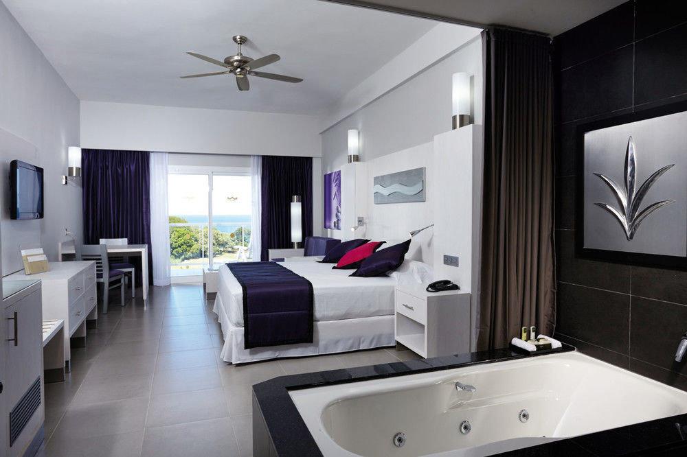 property Suite home white living room condominium sink bathroom cottage Modern