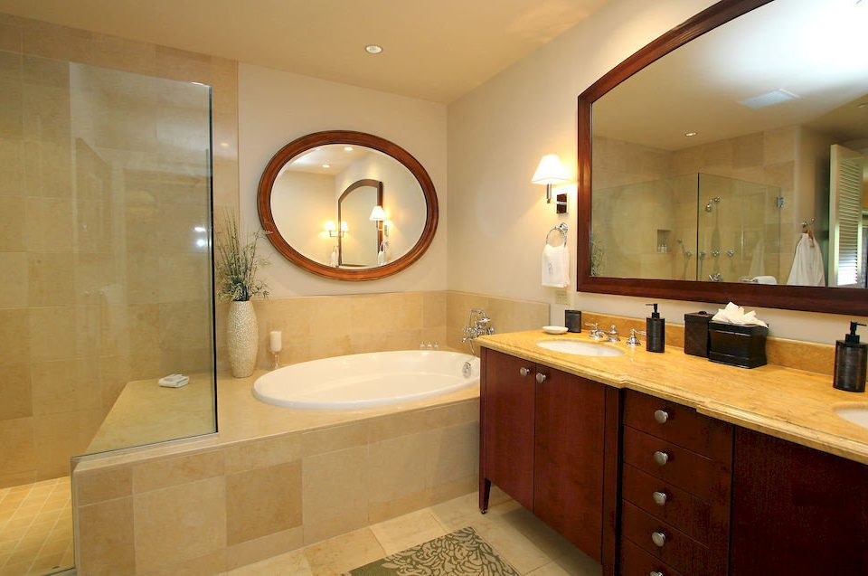 bathroom mirror property sink home Suite cottage Modern