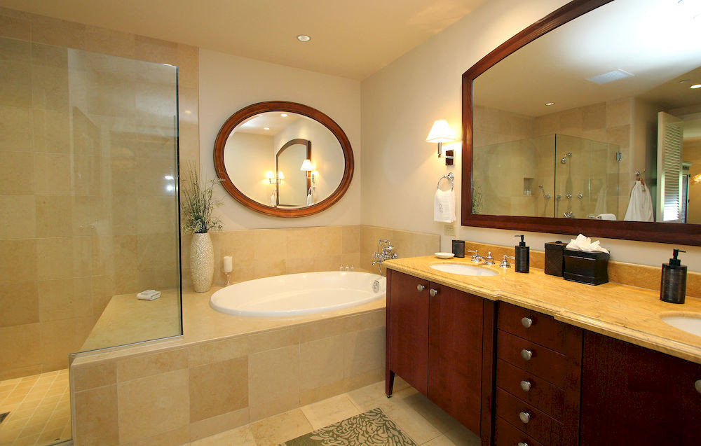 bathroom mirror property sink home Suite cottage Modern