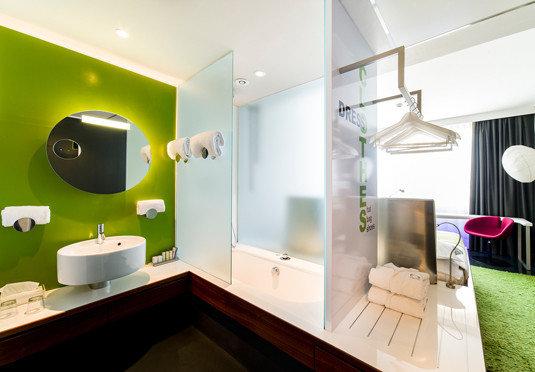 bathroom mirror sink property home lighting Suite living room Modern