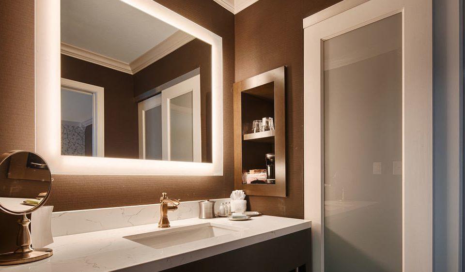 bathroom mirror sink property home vanity Suite Modern