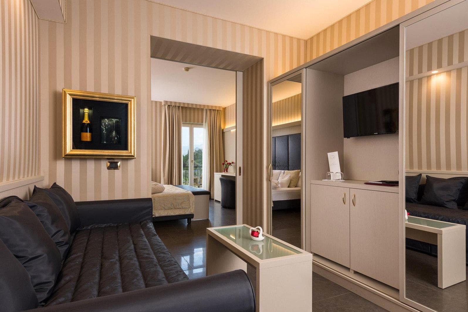 property Suite living room condominium home Modern