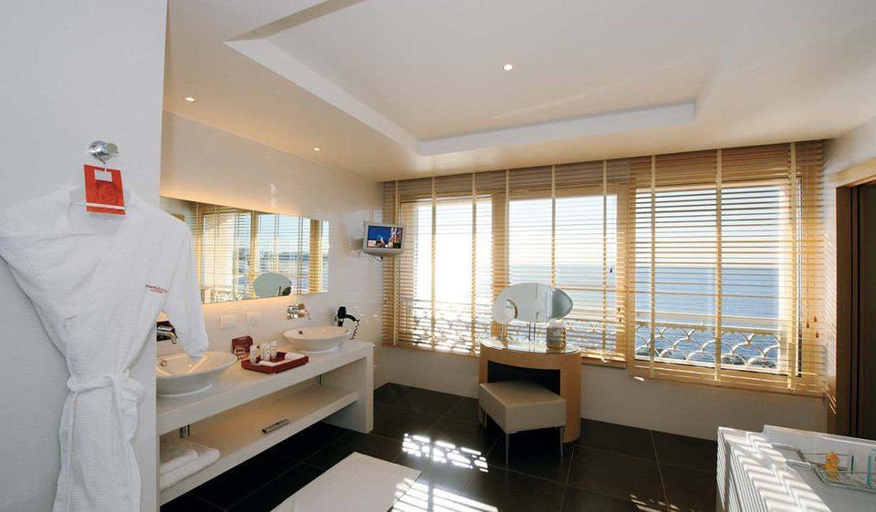 property condominium home living room Suite Modern