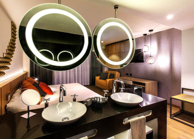 mirror sink lighting home Suite Modern