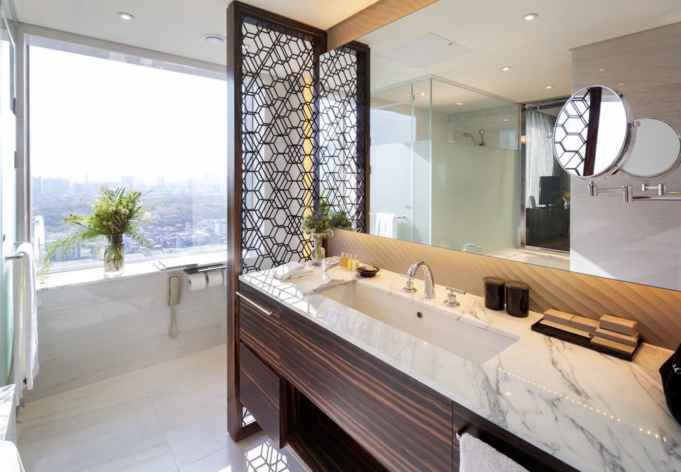 property bathroom Suite home condominium cottage Villa Modern