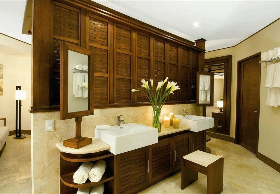 bathroom property home Suite condominium Villa sink living room mansion cottage Modern