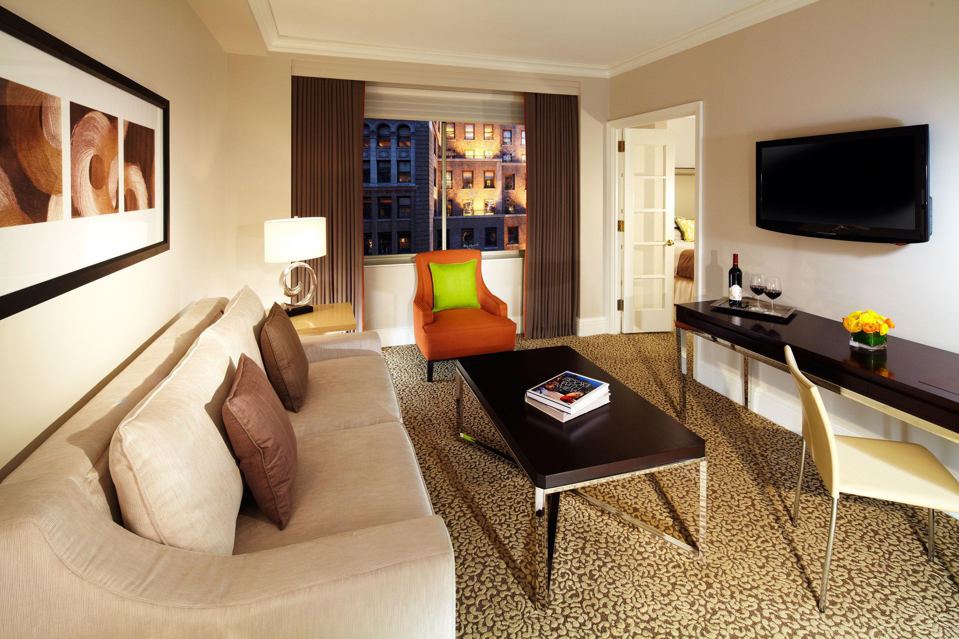 sofa property Suite living room home cottage condominium Villa flat recreation room Modern