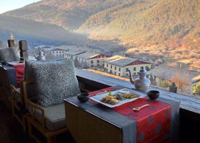 mountain restaurant vehicle