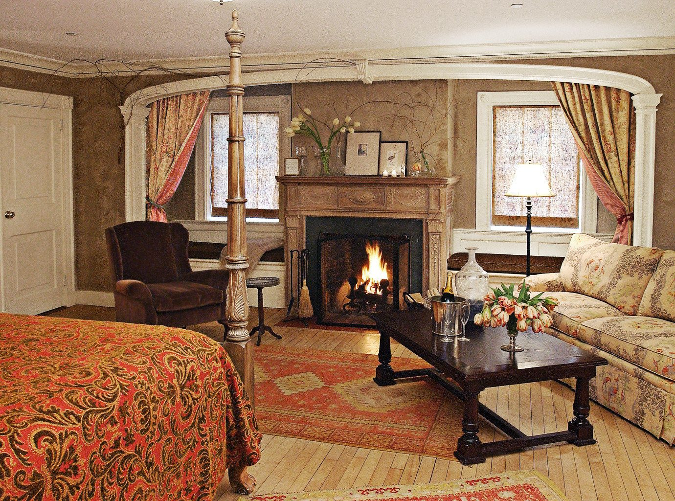 Bedroom Boutique Hotels Country Fireplace Romance Romantic Trip Ideas Winter indoor room wall floor sofa Living living room property ceiling home estate house cottage hardwood interior design real estate Suite farmhouse furniture decorated