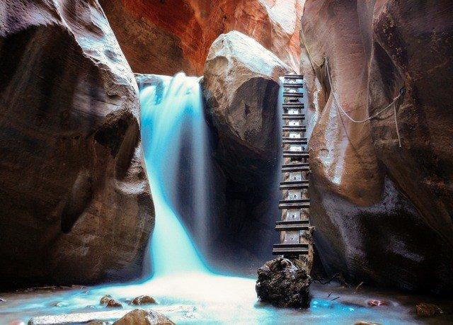 Nature rock cave screenshot formation canyon