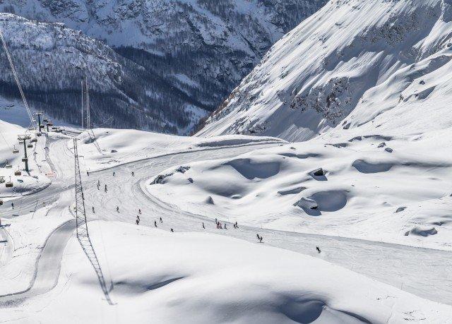 snow Nature mountain ice piste geological phenomenon weather covered Winter mountain range season skiing Ski Resort ski equipment ski touring ski mountaineering winter sport