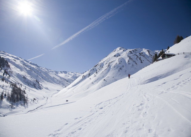 snow sky Nature skiing ice mountain range piste weather geological phenomenon Winter covered mountain Ski telemark skiing ski equipment ski touring ski mountaineering winter sport slope Resort alps hill alpine skiing sports equipment day ski slope