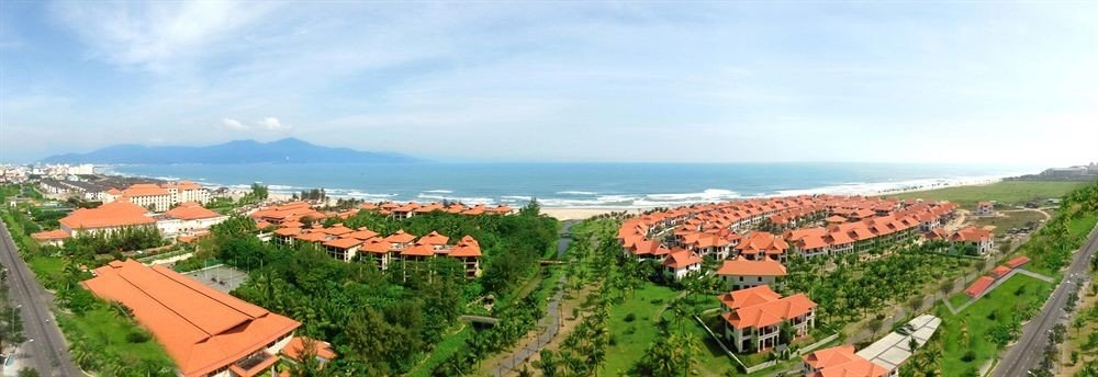 mountain Town Nature property photography ecosystem red residential area Resort Village panorama shore lush hillside